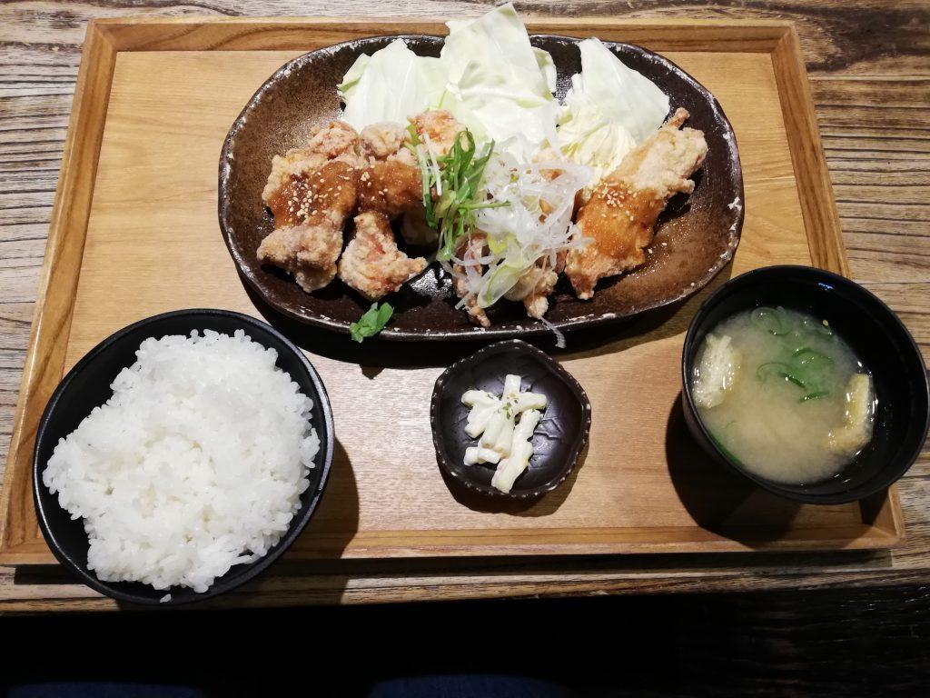 上田からあげセンター「美味だれ唐揚げ定食」